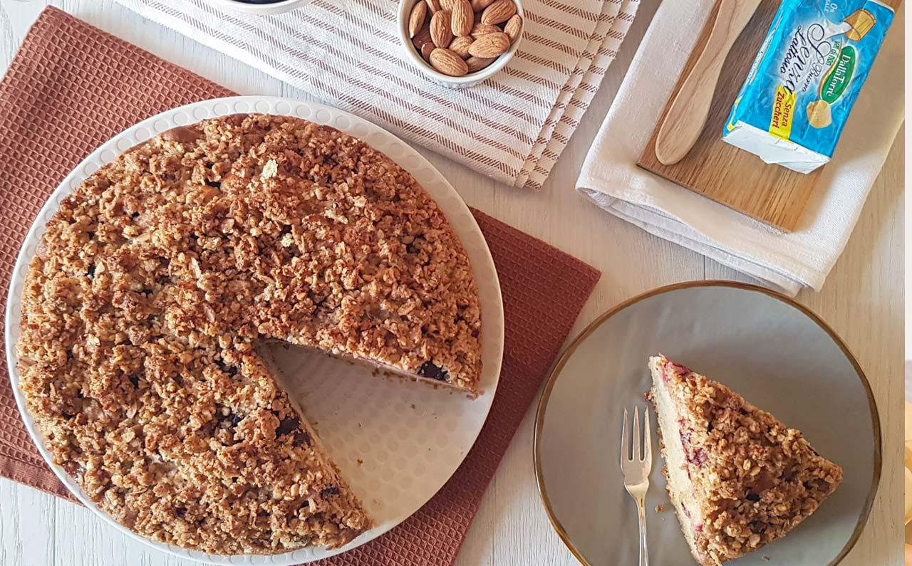 torta di susine con crumble di mandorle