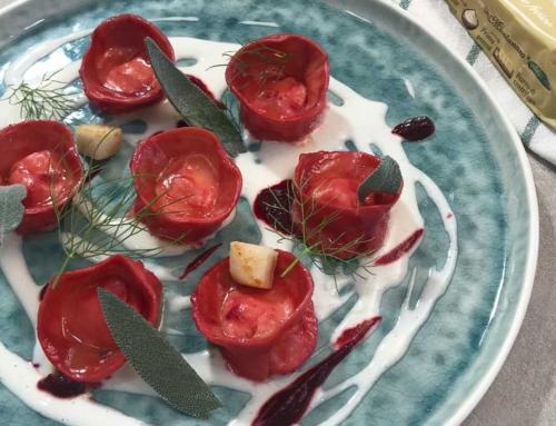 Ravioli di rapa rossa con burro di centrifuga La Montanara
